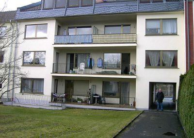 Hausfassade Rückseite (vorher)