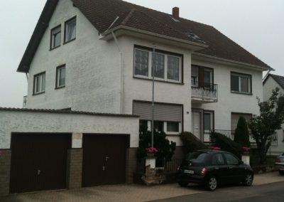 Hausfassade Seitenansicht (vorher)